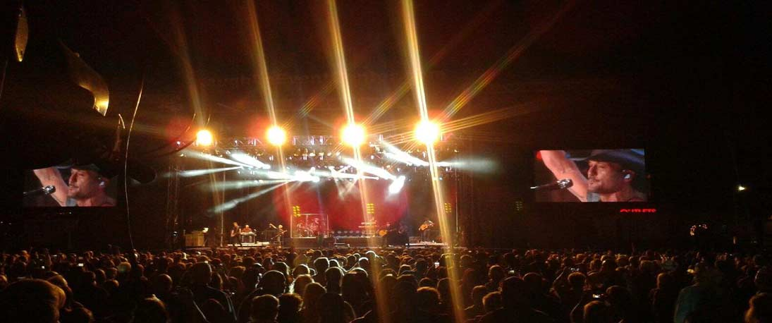 Jumbotrons and video walls at music events